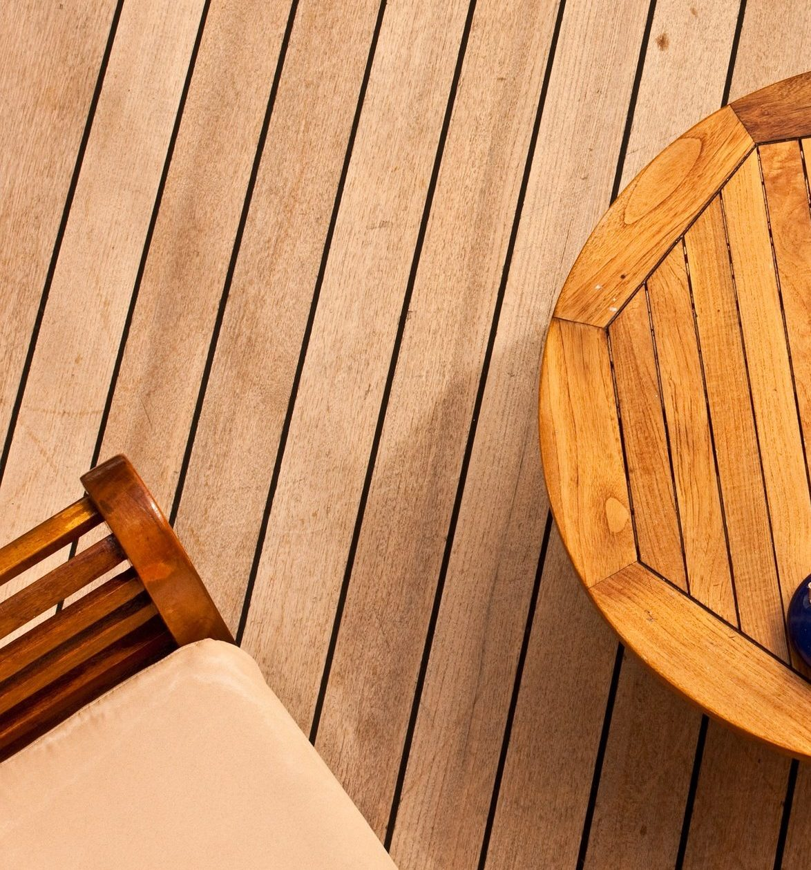 Hardwood vs Composite Decking ? Which One To Choose - Petal UK